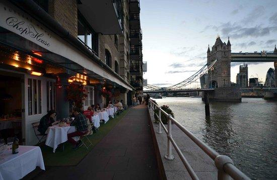 The Butlers Wharf Chop House : Chop House Terrace on Thames Path