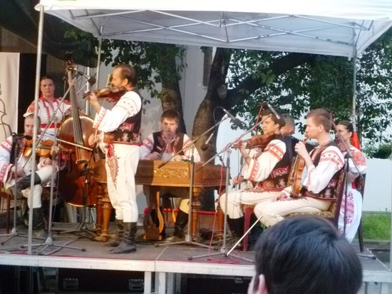 ONDRAS - the 'Military Artistic Ensemble: this music always cheers up listeners