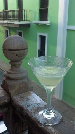 St Germain Bistro & Cafe: Daiquiri on the balcony!