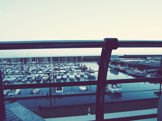 Seattle Bar and Restaurant: View Over The Marina