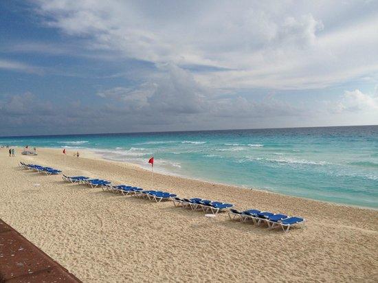 Marriott Cancun Resort: Beach