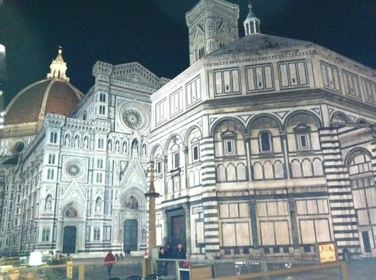 Hotel Mario's: Piazza Duomo