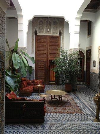 Riad Tayba: courtyard