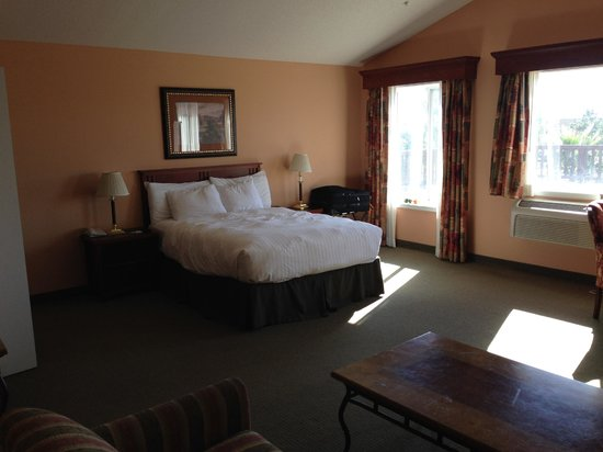 GrandStay Residential Suites Hotel Oxnard: bed