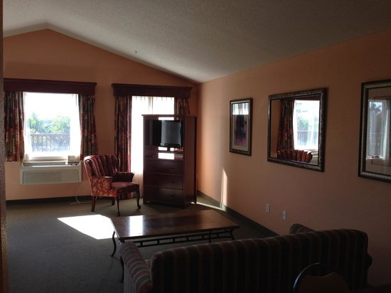 GrandStay Residential Suites Hotel Oxnard: living room