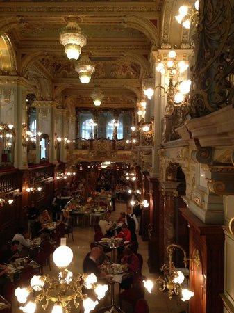 Boscolo Budapest, Autograph Collection : La sala delle colazioni