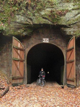 Elroy-Sparta State Trail : Tunnel 1