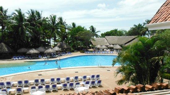 Occidental Tamarindo: pool area
