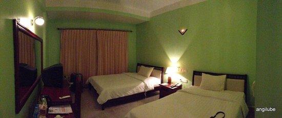 Parklane Hotel : Chambre avec 2 lits