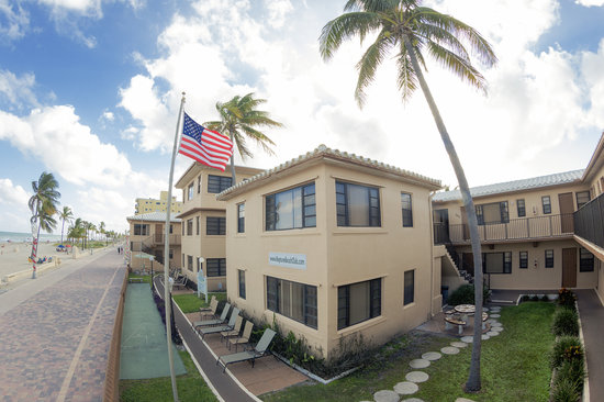 Neptune Hollywood Beach Hotel The Is Located On S Famous Broadwalk And