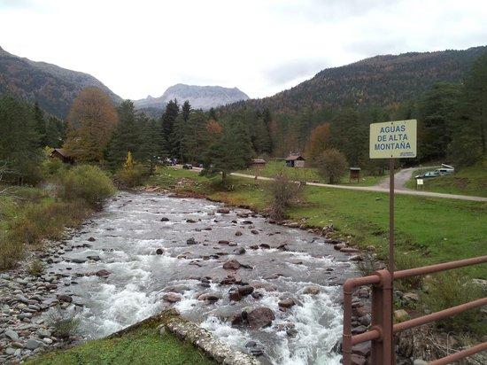 Hotel La Posada de Villalangua: Aguas altas por jaca