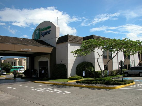 Holiday Inn Express San Jose Airport: Front Entrance