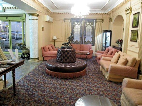Bristol Hotel: Hotel Lounge