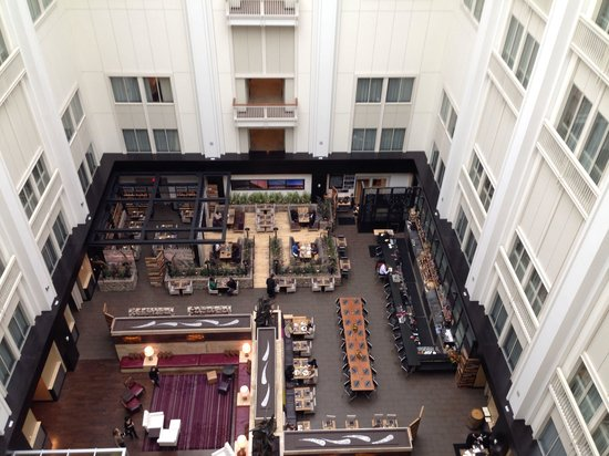 The Nines, a Luxury Collection Hotel, Portland: View from 14th floor into lobby