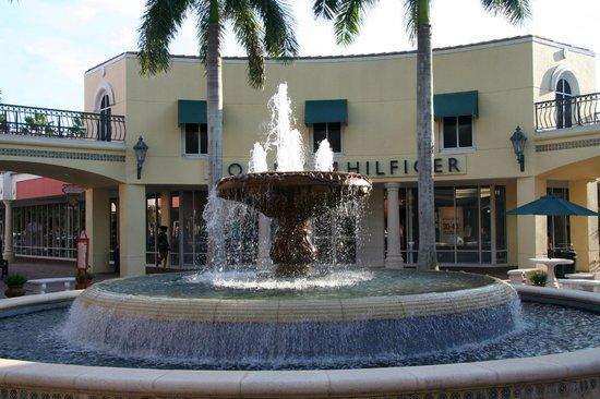 Miromar Outlets : Springbrunnen 2