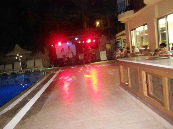 Astoria Hotel : Ночная жизнь отеля