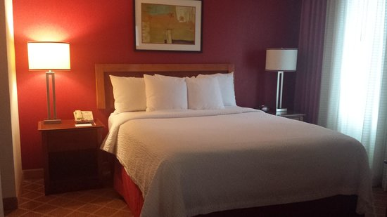 Residence Inn Philadelphia Conshohocken: Bedroom