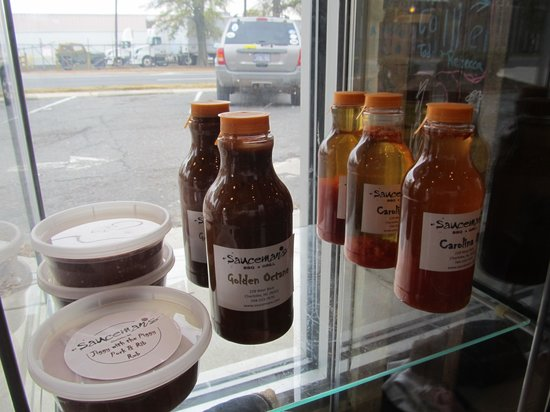 Sauceman's: Sauces on display