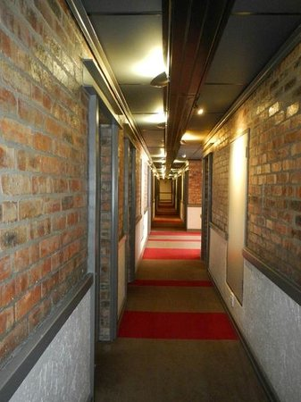 Protea Hotel by Marriott Cape Town Victoria Junction : hallway
