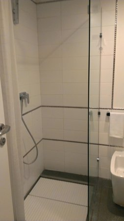 Hotel de Rome: Really nice shower