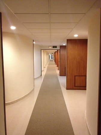 Grand Palladium Palace Ibiza Resort & Spa: Immaculate Corridors