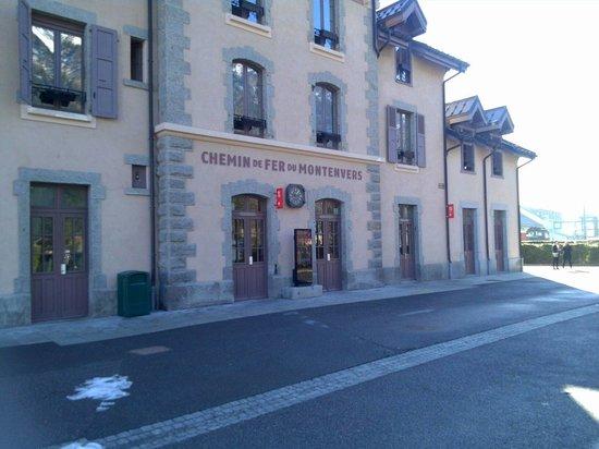 Mont Blanc: Пункт продажи билетов на паровоз