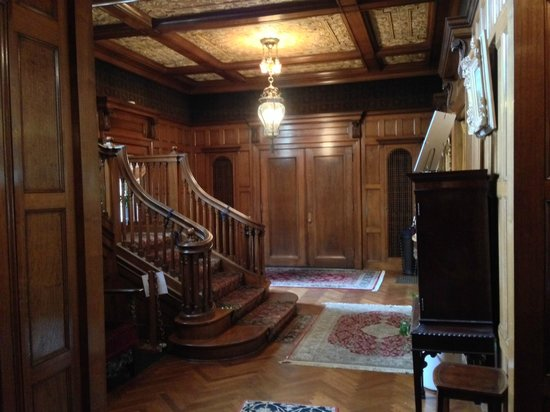 The Inn at Irwin Gardens: Grand Staircase and Entrance