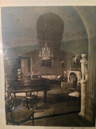 The Inn at Irwin Gardens: historic photo of tea room
