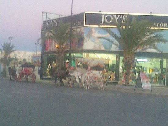 Yasmin Hammamet: Joys - a 'boutique' style shop in Yasmine & a Horse & carriage
