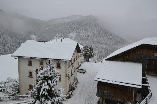 Agriturismo Maierhof: Sous la neige d'automne