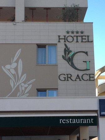 Hotel Grace: vista fronte