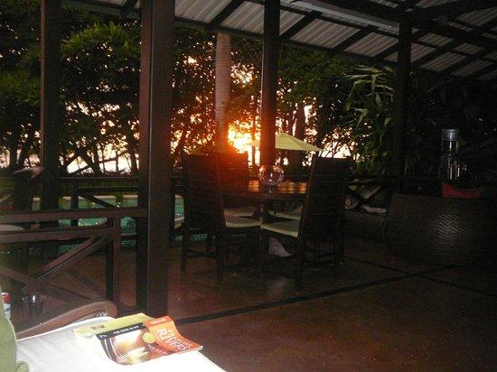Latitude 10 Exclusive Beach Resort: Just another sunset!