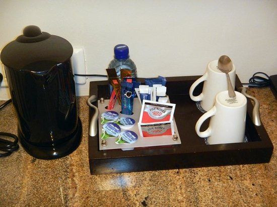Protea Hotel Umfolozi River: coffee maker & complementary bottle of water