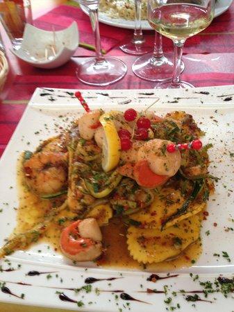 Jardin Des Arts : Raviolli with seafood