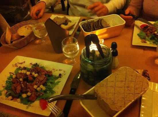 Senlis Food Guide: 10 Must-Eat Restaurants & Street Food Stalls in Senlis