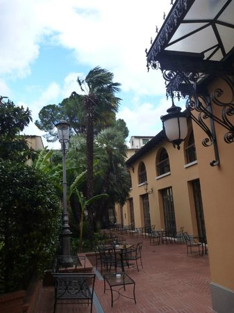Hotel Albani Firenze : Hotelhof