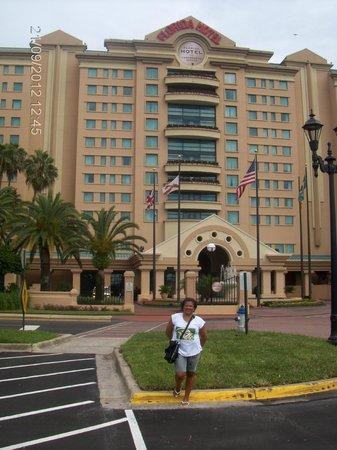 The Falls Shopping Center : Hotel florida Mall