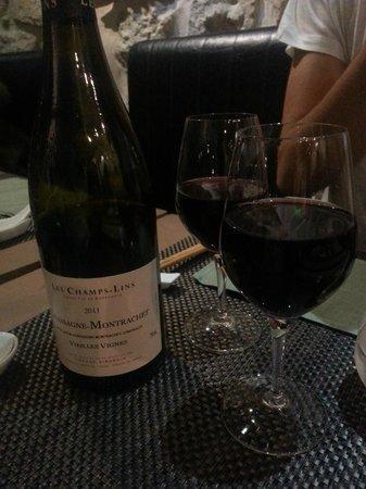 Saigon Pantheon : La carte des vins est à decouvrir...