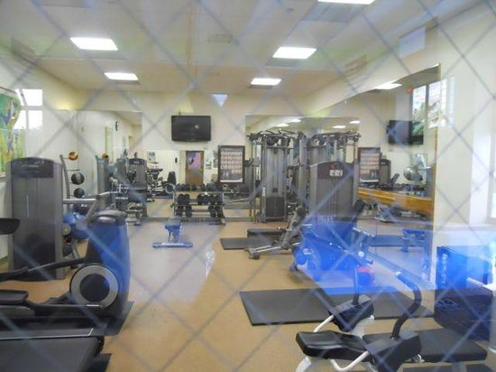 Houston Marriott Westchase : Gym near the indoor pool