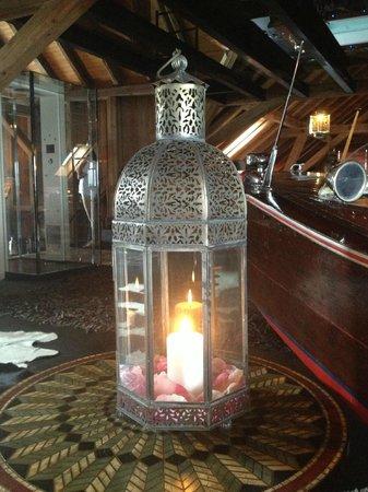 Bijou Hotel Love & Romance: Toujours des belles lampes