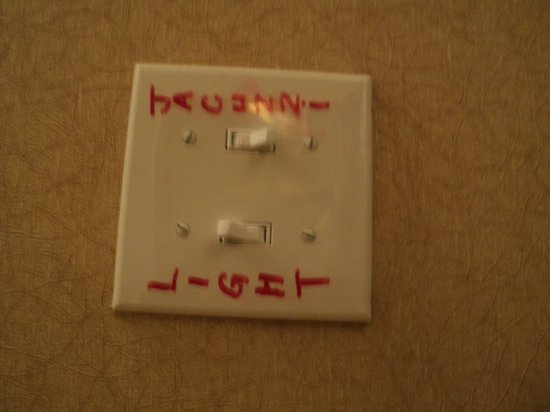 Gateway Hotel Dallas: Switch in red marker