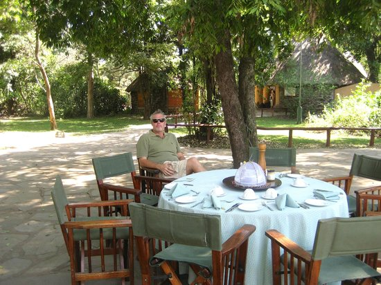 Governor's Camp: Outdoor Dining