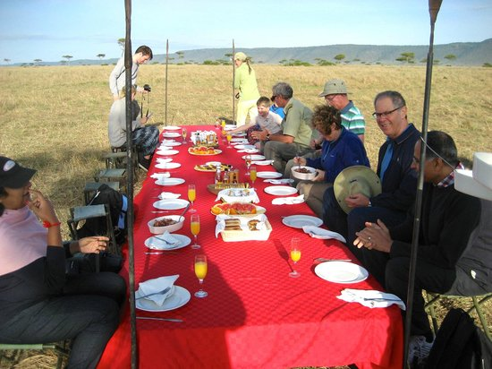 Governor's Camp: Champagne Breakfast after Balloon Ride