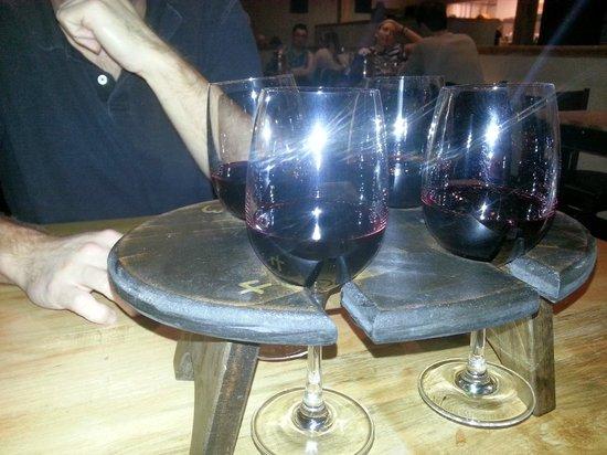 WG Kitchen and Bar: Wine flight