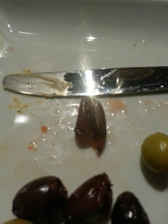 WG Kitchen and Bar: Olives from the bread plate.