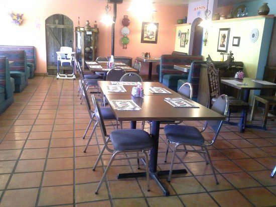 Mimbres Valley Cafe : Inside the restaurant.