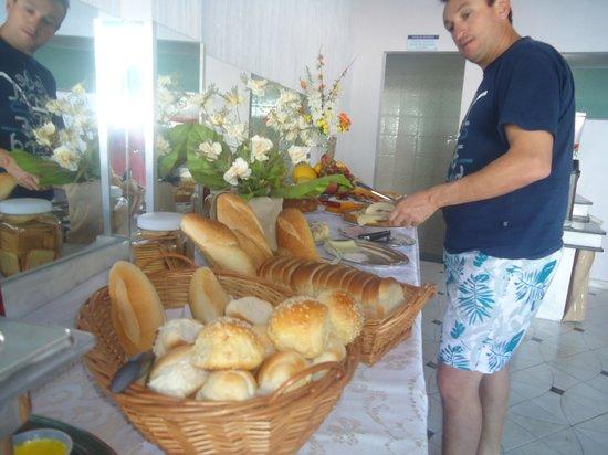 Apart Hotel Veleiros: Café da manhã