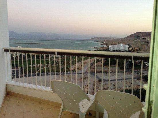 David Dead Sea Resort & Spa : Our balcony