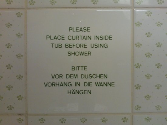 Mövenpick Hotel Egerkingen: suugestion in the bathroom...