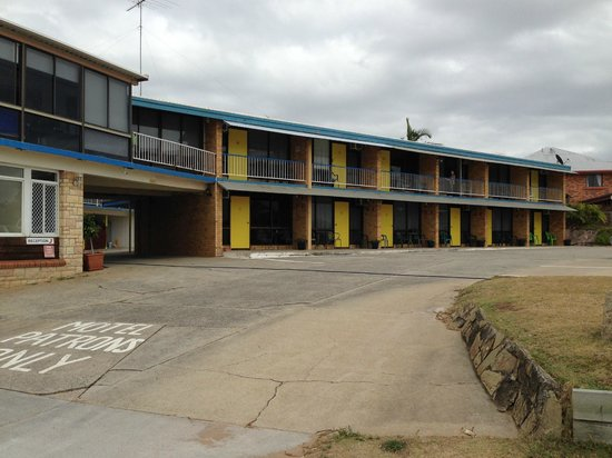 Waltzing Matilda Motel : Sea view rooms from stree